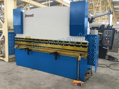 WC67K-40T2500 ألواح الصلب الانحناء آلة ، الفرامل الهيدروليكية الصحافة
