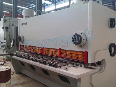 QC11k-6 * 3200 آلة قص 3.2 م ، CNC آلة قص 6 مم