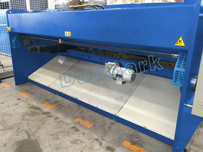 QC12K-6x4000mm الهيدروليكية CNC الكربون الصلب لوحة آلة قص