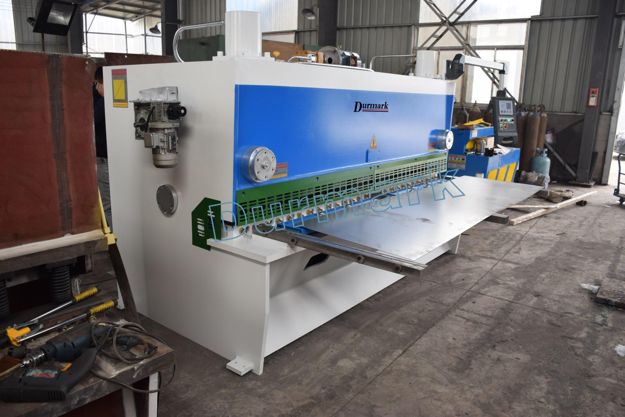 آلة قص الألواح المعدنية QC11K-8 * 3200